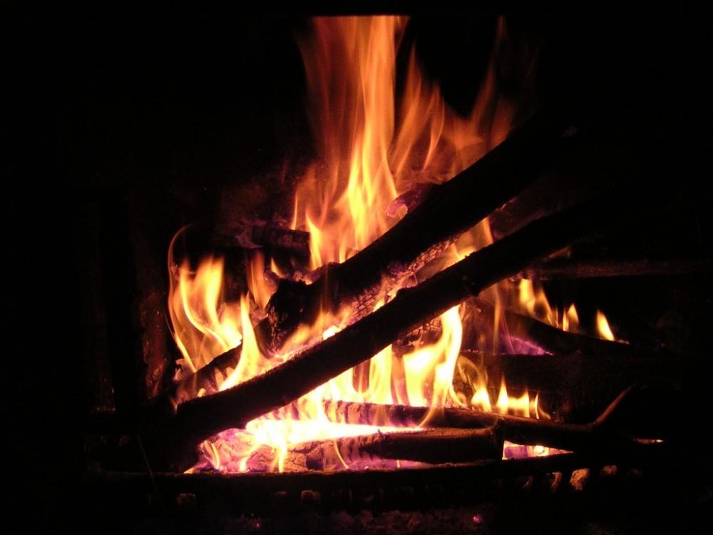 le-feu-de-cheminee-1024x768